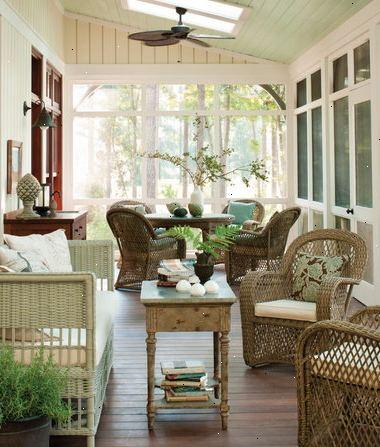 Udsmykning en patio værelse: træ, kurvefletning og smedejern møbler